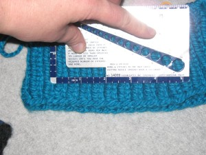 Gauge of solid ribbed hat